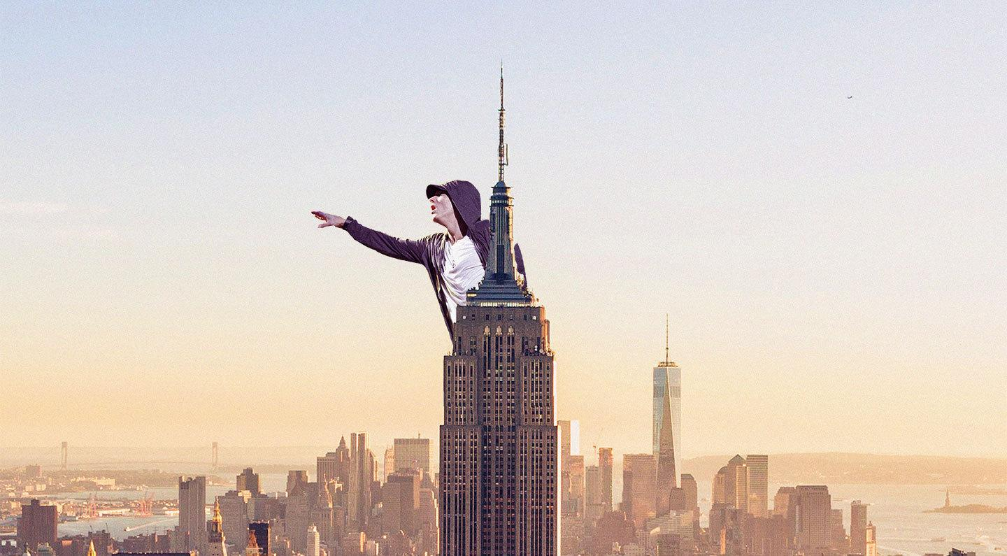 """Eminem Performs """"Venom"""" From Atop Empire State Building"""
